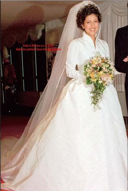 Wedding dress - Alexandra Manley , Princess of  Denmark _  1er