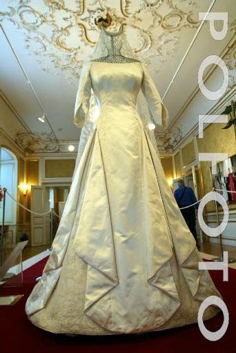 Wedding Dress - Mary Elisabeth Donaldson _ Crown Princess of Denmark - Suite