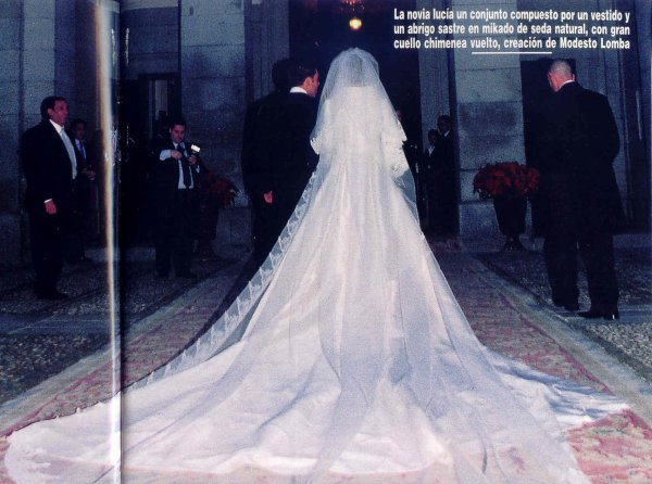 Wedding Dress - Monica Martin Luque _ Gomez-Acebo