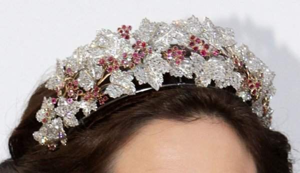 Princess Mary's beautiful Floral Tiara _ Suite