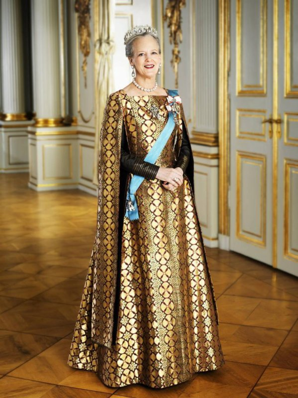 The Style Dress -  MARGRETHE II  _ Queen of Denmark