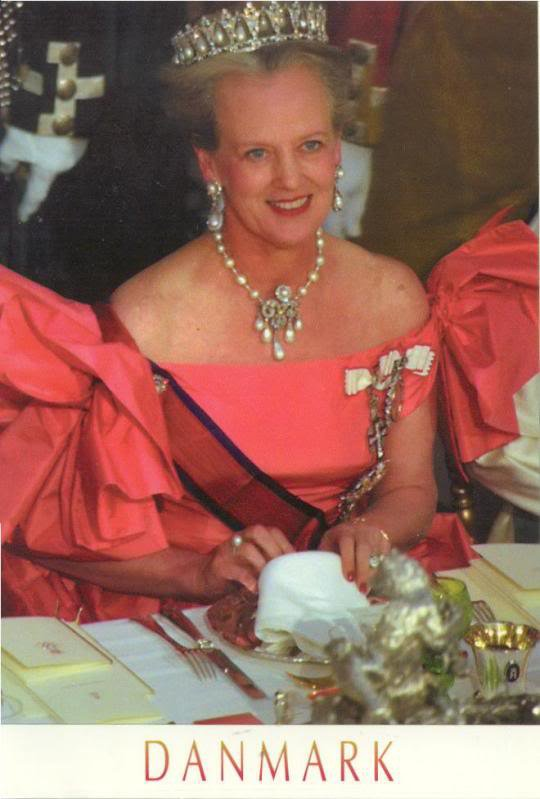 The Style Dress - MARGRETHE II _ Queen of Denmark - Suite