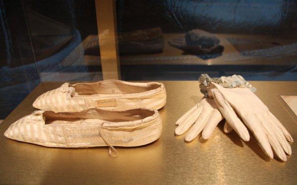 Queen Victoria of Angland Wedding Dress - Spécial