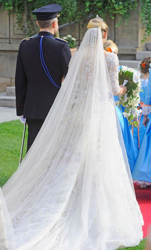 Royal Wedding Dress 2012 _  Countess Stéphanie de Lannoy  - Suite