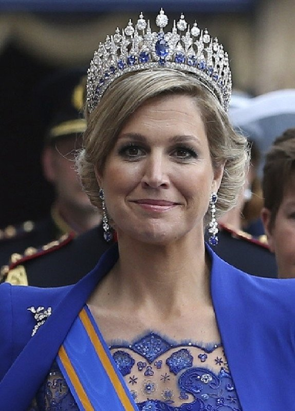 SPECIAL DRESS  QUEEN  MAXIMA  _ Suite