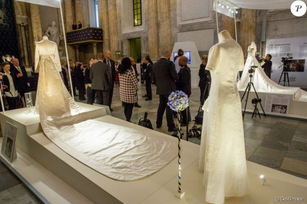 kungliga brudklänningar - Royal Wedding Dresses Exhibition  2016