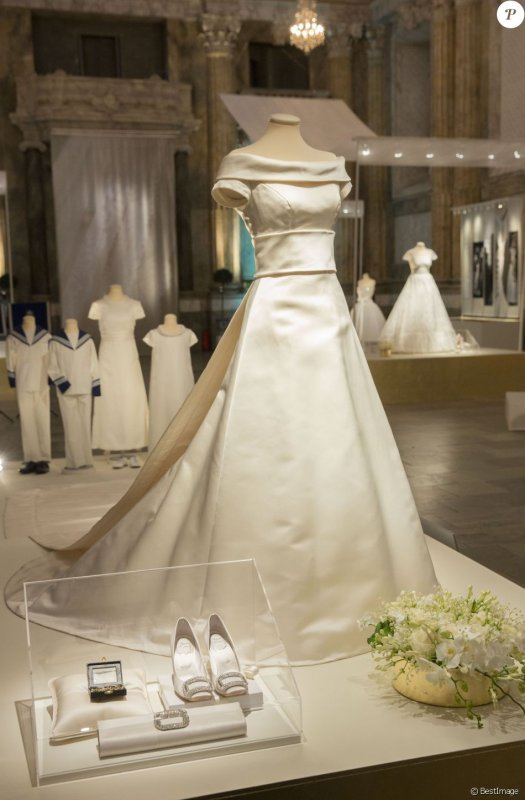 Kungliga Brudklanningar Royal Wedding Dresses Exhibition