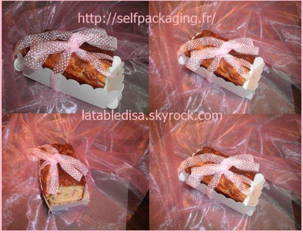 Cake lardons-mozzarella-olives présenté dans une boîte de mon partenaire Selfpackaging