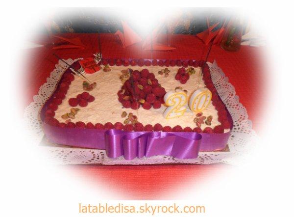 Gâteau d'anniversaire 20 ans (litchis et framboises )