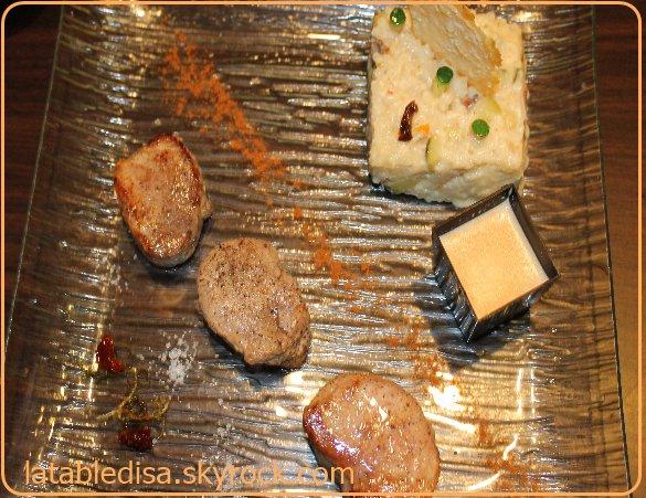 Filet mignon de porc au piment d'espelette, risotto aux courgettes et aux tomates séchées