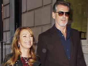 Pierce Brosnan et Jane Seymour : Une balade en copains, une franche rigolade !
