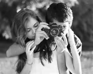 C'est parfois dans un regard ou dans un sourire que sont cachés les mots qu'on a jamais sû dire♥