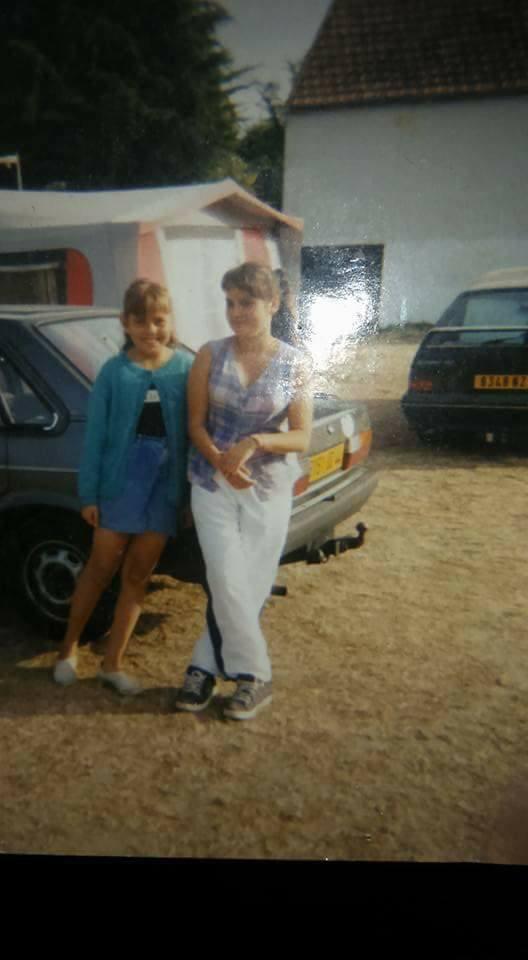 moi et ma soeur quand on etais petite