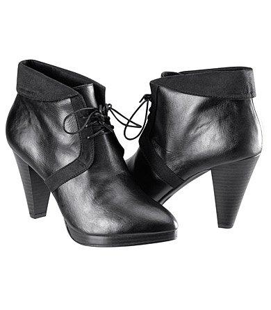 Chaussure avec un petit talon ( noir )