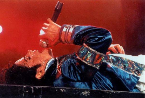 Michael Jackson:: KING OF POP FOREVER !!!<3