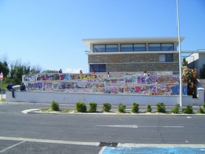 """Iniciation Graffiti pour les jeunes du collège de st André De Sangonis réalisé par PiKoT DBK et L'association """"Culture vie la joie"""""""