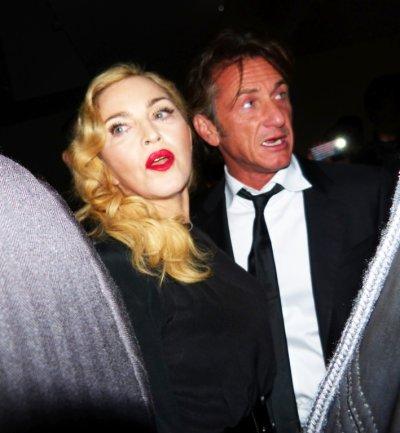 Sean Penn ne m'a jamais frappée!