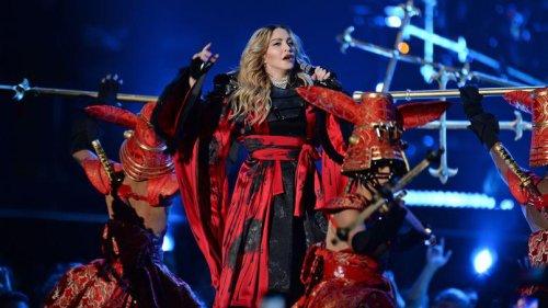 Madonna un peu plus et c'était la chute !