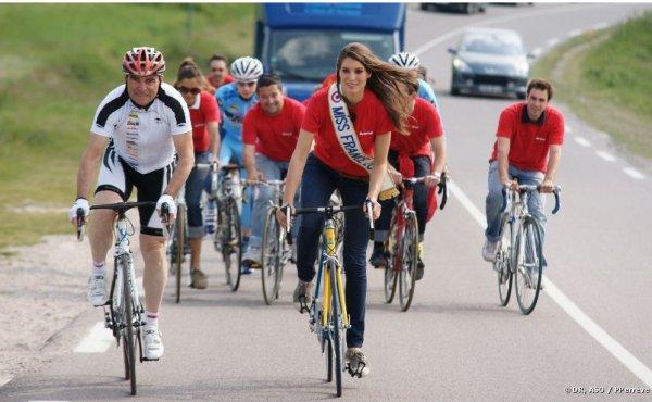 Laury Thilleman se lance dans le Tour de France avec un parrain inattendu !