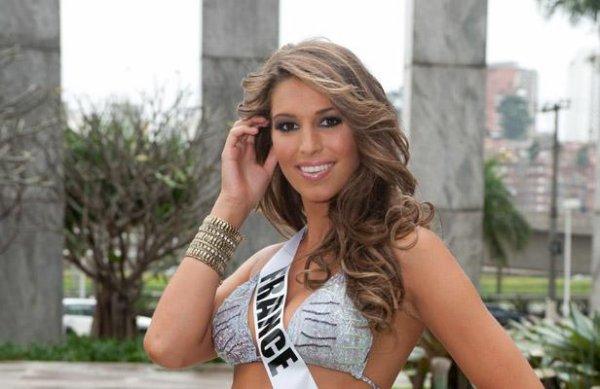 Laury Thilleman, Miss France 2011 , interdite d'écharpe !