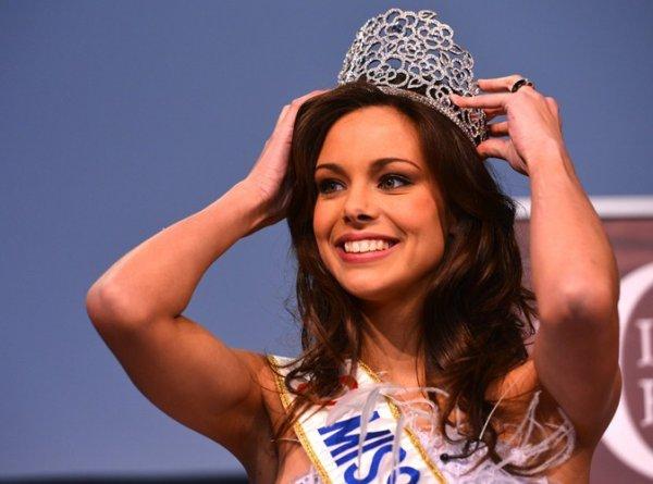 """Beauté : Miss France 2013 : """"j'ai des boutons, et ça m'agace !"""""""