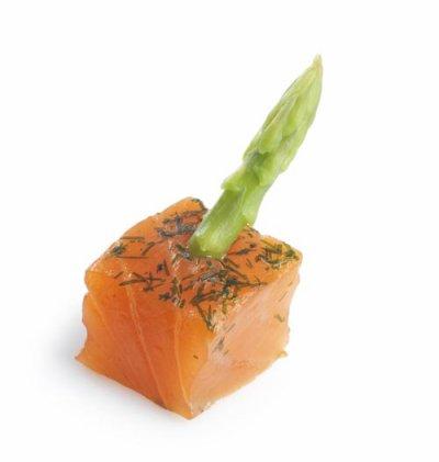 Saumon et asperges vertes au miel et à l'aneth, par Philippe