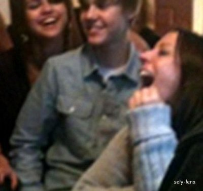 29.01.11       Selena Gomez et Justin Bieber- Voilà la photo qui met fin au doute