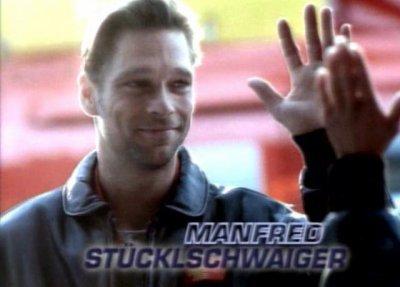 Manfred Stücklschwaiger avec sont beau sourire dans le générique de médicopter 117