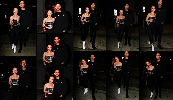 . 16.10.17 - Madelaine Petscha été photographiée de nuit, en compagnie de son boyfriend Travis, dans les rues de LA, CA Et c'est le sourire aux lèvres que les deux amoureux ont été aperçus de nuit, dans Los Angeles. J'adore la tenue de Madelaine, un gros top .