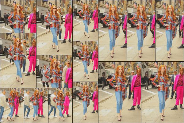 . 07.05.19 - Madelaine Petsch s'est rendue sur le plateau de l'émission « Strahan and Sara » situé dans'' ▬ ''New York. C'est sur le plateau de l'émission « Strahan and Sara » que Maddy s'est rendue pour parler de la saison actuelle de Riverdale. Un beau top .
