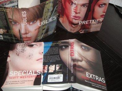 UGLIES_PRETTIES_ SPECIALS_ EXTRA...