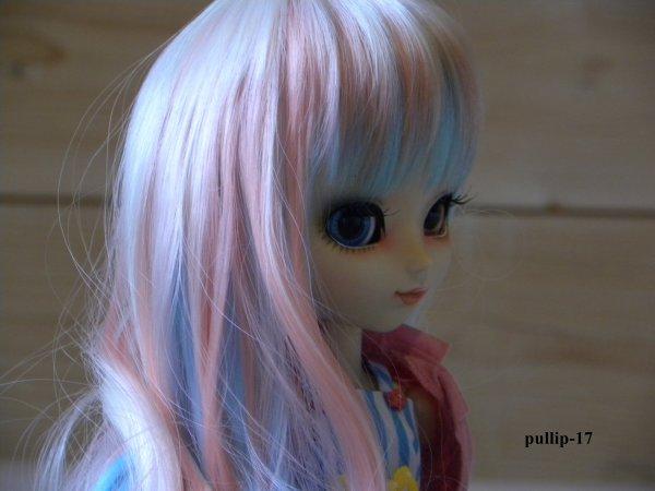 Première séance photo de Zoélie avec sa nouvelle wig.