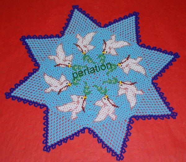 napperon forme étoile avec colombes