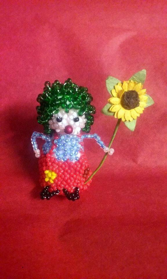 petit clown réalisé pour le défi d'avril sur alittlemarket