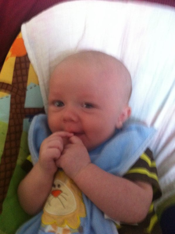 Lucas née le 21 mai!!!