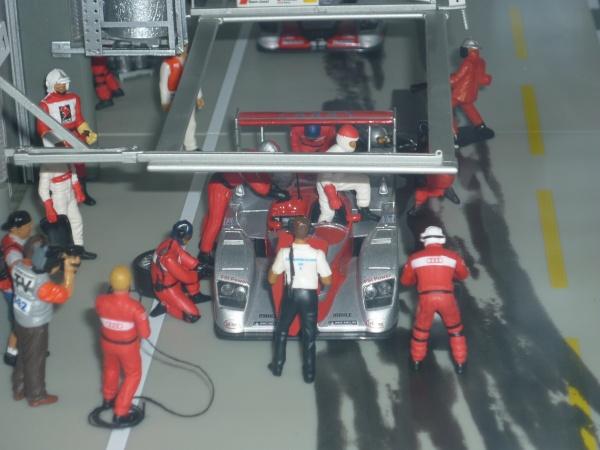 Ravitaillement de l'Audi # 1 vu de face