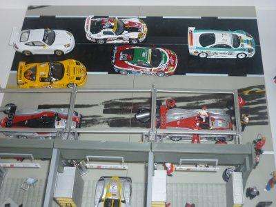 Agrandissement du diorama du stand Audi Le Mans 2002