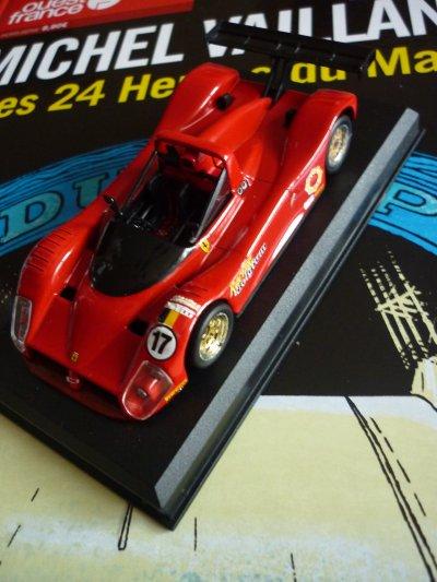 La décoration de la Ferrari 333 SP à commencée !!