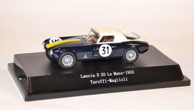 Une petite Lancia des années 50