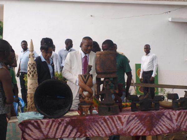 Se ressourcer selon les valeurs culturelles du Mbongui