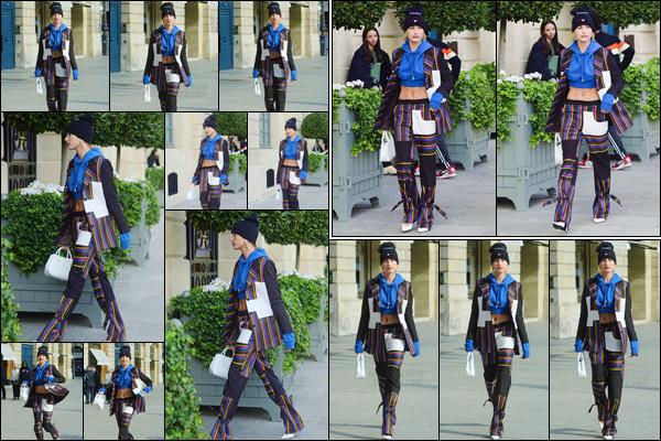 - '-27/09/17-'''✈''Hailey Baldwin quittait la boutique de joaillerie de luxe « Cartier » qui se trouve situé à Paris ! Hailey a par la suite été photographiée en quittant l'hôtel dans lequel elle séjourne pour la durée de la Fashion-Week, c'est-à-dire l'hôtel The Ritz. Un bof.-