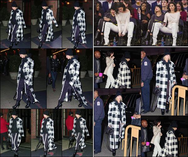 '- '- 20/11/17 -'''◊''Hailey Baldwin quittait l'hôtel « The Bowery » pour se rendre au Madison Square Garden, NY ! Hailey B. est finalement de retour à New York, et de ce fait elle marque le coup en allant à un match des Clippers contre les Knicks avec Kendall Jenner.-