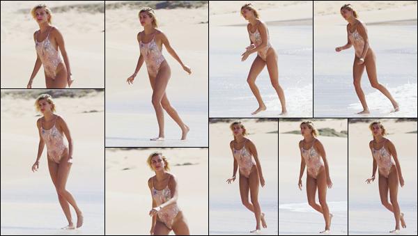 - ''•-30/05/18-' : Hailey Baldwin a été photographiée lors d'un photoshoot sur une plage, dans la ville de Hawaii. Notre belle blonde qui se porte disparue depuis quelques jours, nous fait l'honneur de sa présence dans un maillot une pièce, se trouvant dans Honolulu ! -