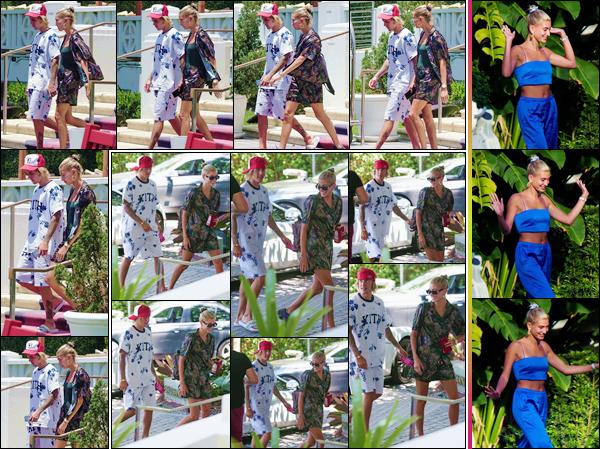 - ''•-14/07/18-' : Hailey Baldwin arrivait à l'hôtel « The Miami Beach Edition » toujours avec Justin, dans Miami. Destination confirmée pour le couple de l'heure, qui a été photographié au bord de la piscine de leur hôtel dans la ville très chaude de Miami en Floride. -