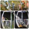 Justin dans une cage lors de son concert à Londres XD!