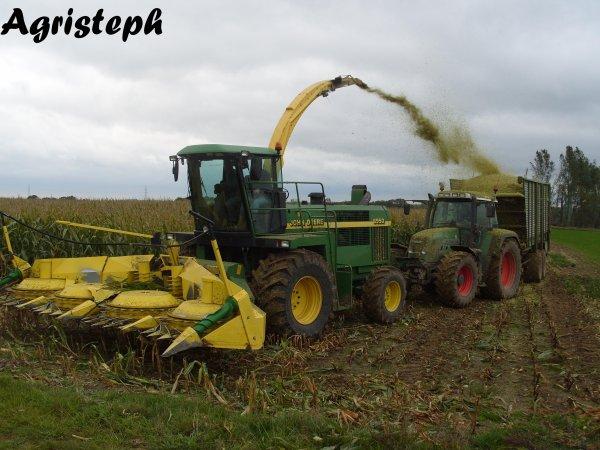 Ensilage de maïs chez Gilles avec  J-Y Engelborghs