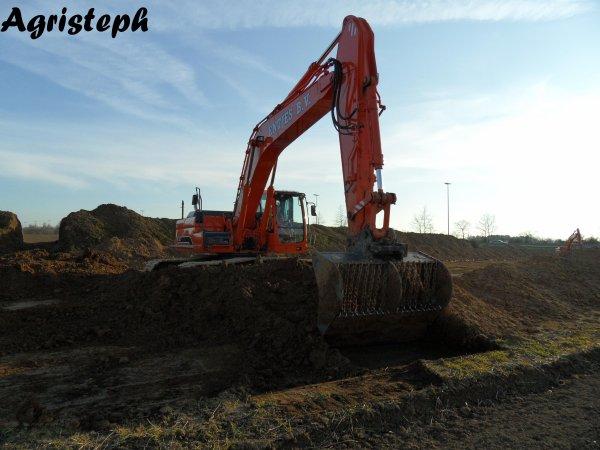 Mise à niveau des terres après le terrasement pour le gaz (Fluxys)