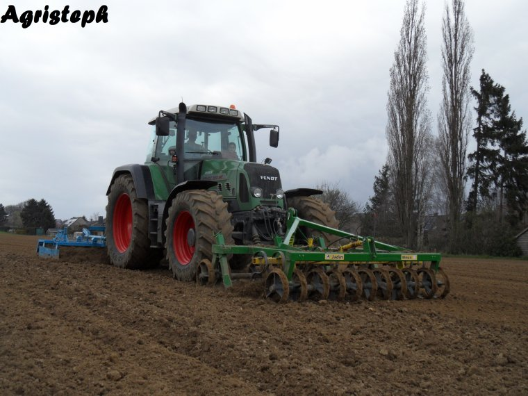 Préparations des terres et semis de betteraves 2014 chez Leruth