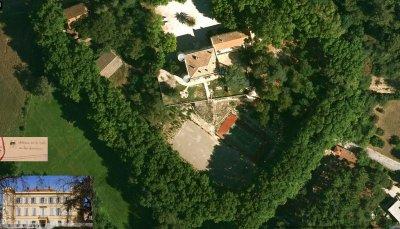 La description du château de La Reynarde celui de la Belle au Bois dormant bien qu'il n'y ressemble pas physiquement