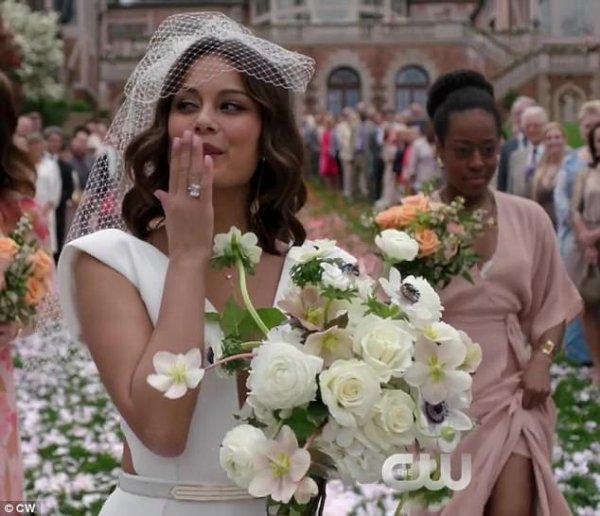 Crystal le jour de son mariage avec blake